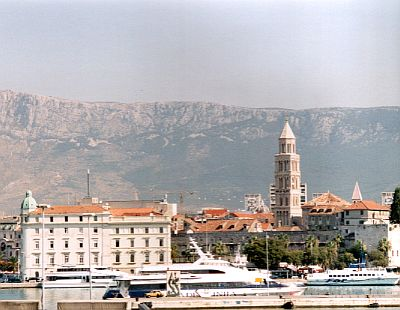Split: Some ferries, the cathedral and the Dinaric Alps