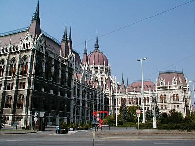 Budapest: Side view of the Parliament