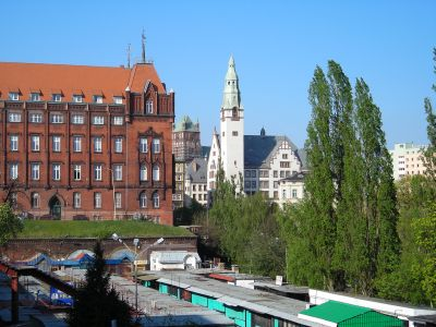 Szczecin: Socialist style market square, Red Town Hall and an old school building