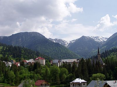 Borsa and the Rodna mountains